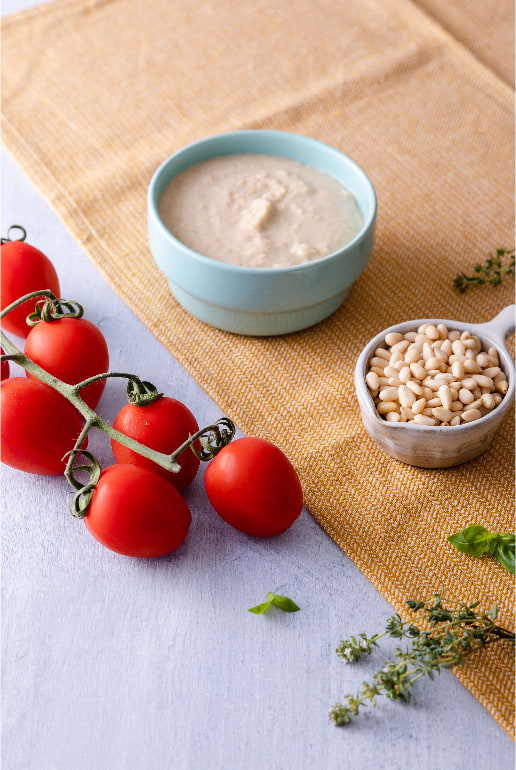 Spuntinelle with chickpea hummus, cherry tomatoes and basil